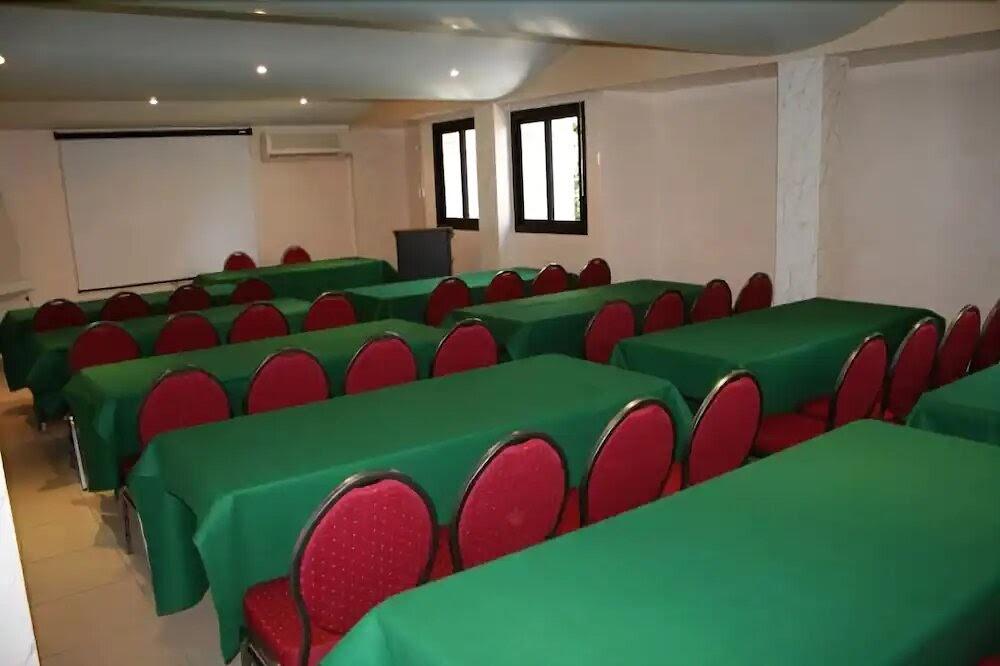 Salle de réunion de Planet Hotel