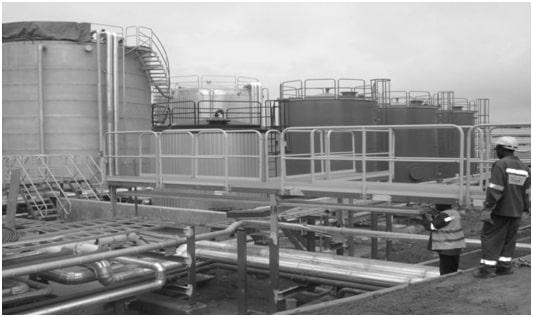 Cuves de stockages et tuyauteries de la société Am Industries