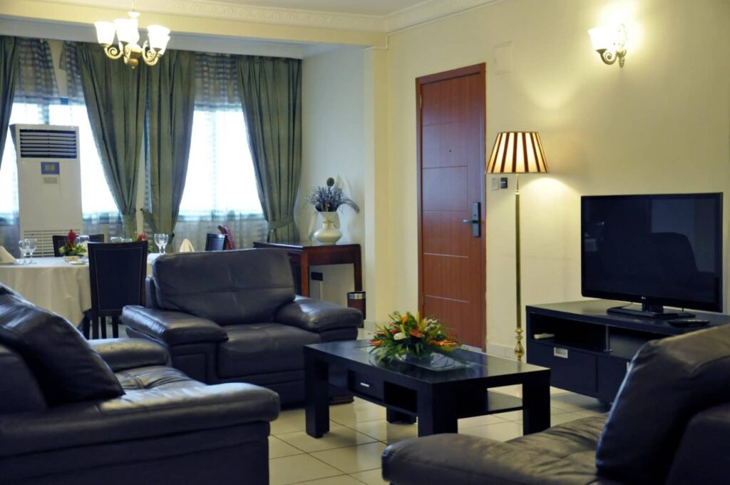 Salle de séjour, suite senior de l'hôtel Prince de Galles